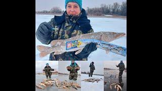 Астраханская Рыбалка лучшие моменты зимней рыбалки в январе 2021 года Смотри с удовольствием