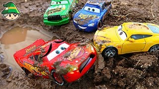 A Disney McQueen car entered the mud pit. Learning Color by Disney Cars