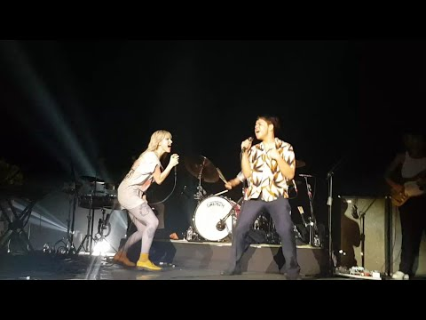 Misery Business - Paramore (Live In Manila 2018)