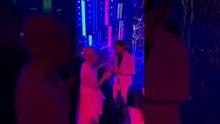 Дима Билан наслаждается танцуя под «Грустный дэнс» (Муз-тв 2019)