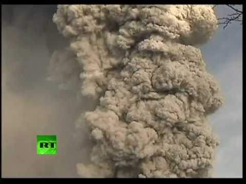 New dramatic footage of Chile Puyehue volcano eruption