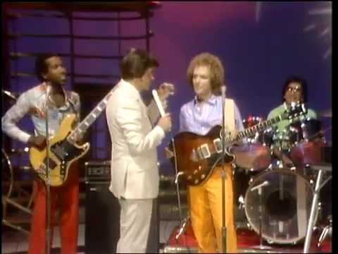 Dick Clark Interviews Lee Ritenour - American Bandstand 1981