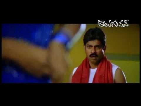 Priyamani Saree cleavage - Comedy Scene