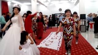 Уйгурский танец на свадьбе Шахмурат-Шахризада