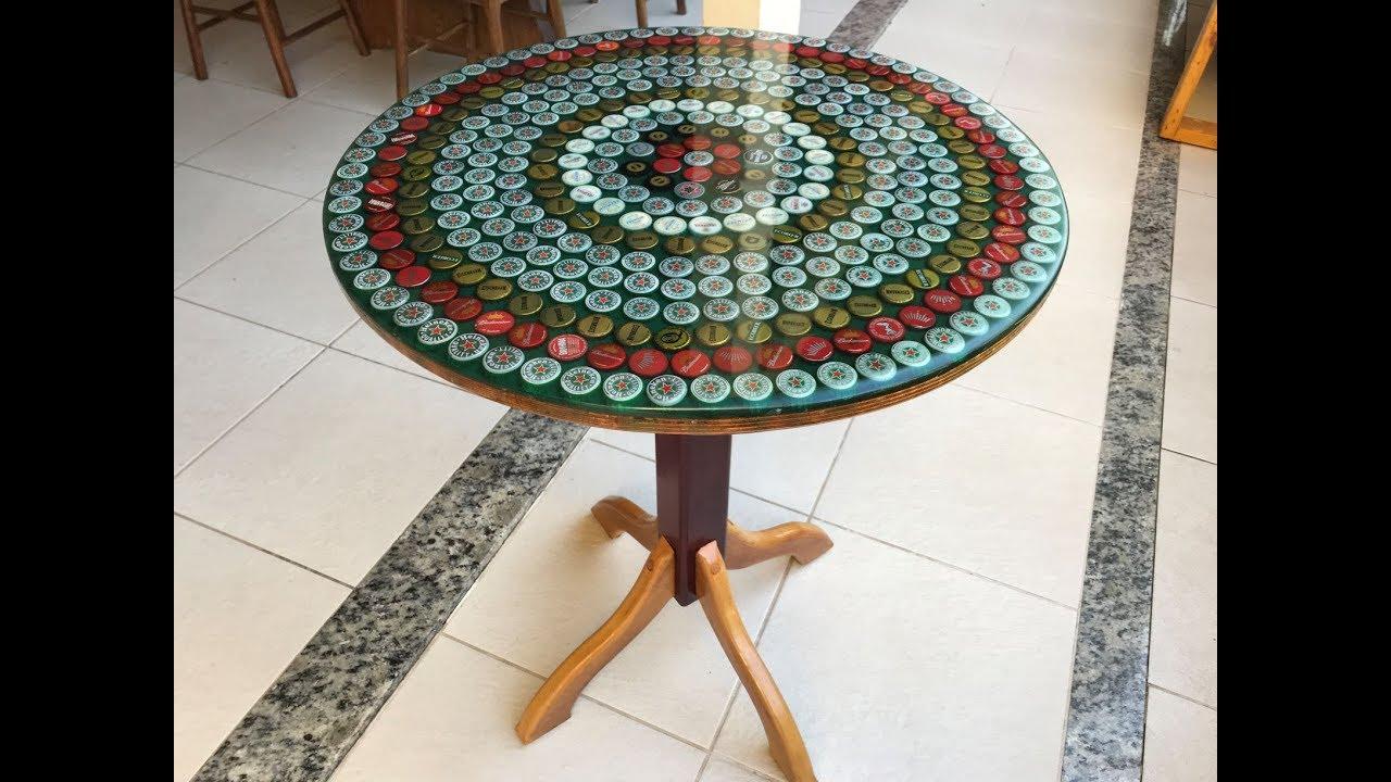 Mesa de tampinhas de garrafa e resina epoxy mosaico youtube - Mesas de exterior de resina ...