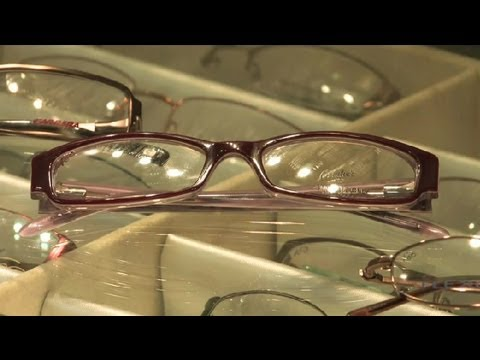 How to Choose Eyeglass Frames : Eyeglasses Basics