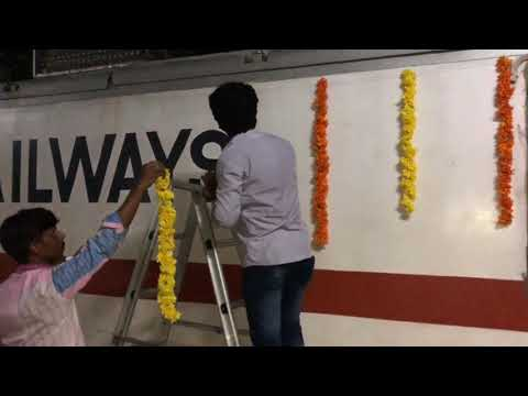 INDIA'S FIRST UDAY EXPRESS LOCO DECORATION OF ERODE WAP-7 30573