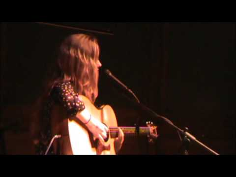 Emma Rose Myers Performs