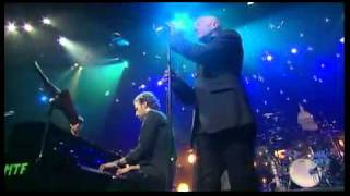 Coldplay Nightswimming with Michael Stipe