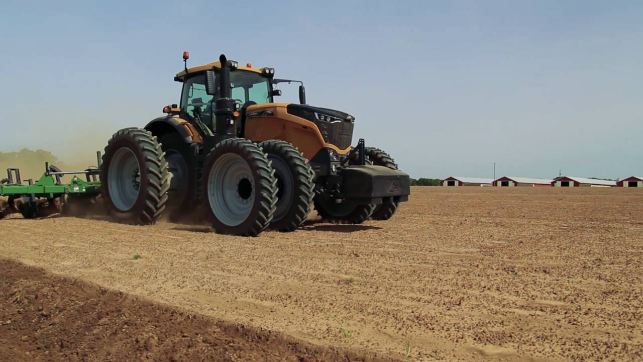 Challenger 1000 Series High Horsepower Row Crop Tractor
