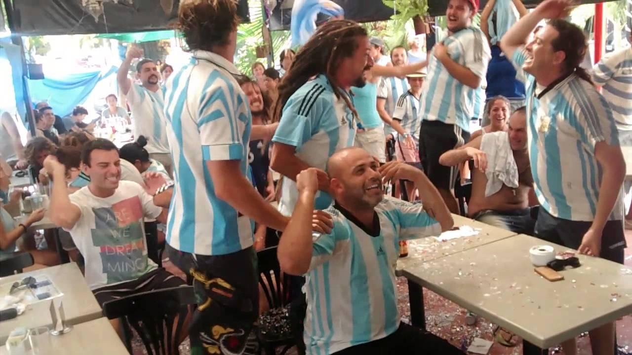 Porra argentina en Playa del Carmen - YouTube