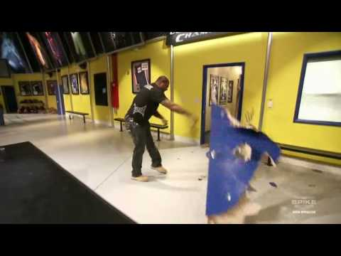 r&age jackson smashes door on ultimate fighter & rampage jackson smashes door on ultimate fighter - YouTube
