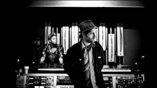 BlakRoc - 03 - Hard Times (ft. NOE)