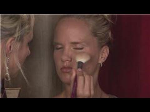 Makeup Tips : Eyeliner Makeup Tips: Applying Blush for Wedding Day Makeup