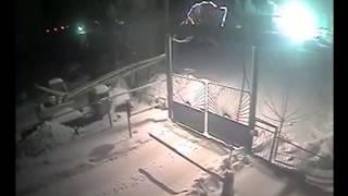 взрыв в автосервисе в чамзинке видео с камеры наблюдения(, 2014-01-31T10:32:35.000Z)
