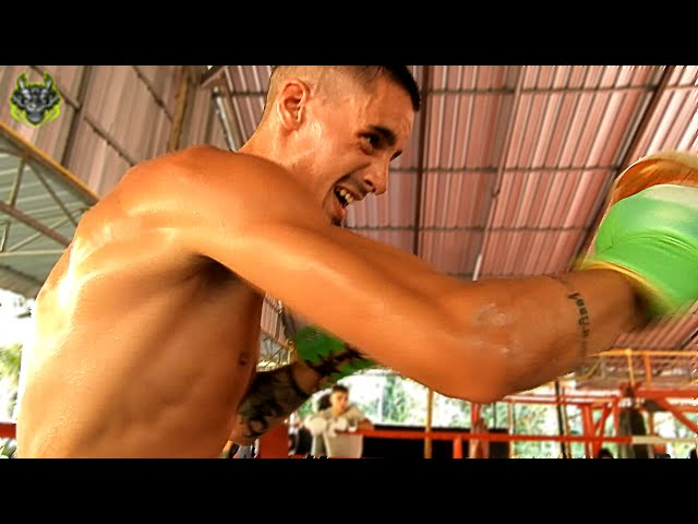 Julian Carre Training | Emerald Muay Thai gym