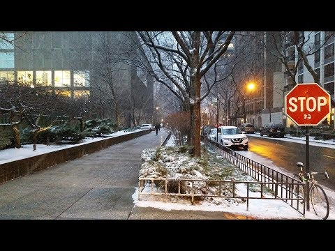 Snow in the Streeterville area of Chicago (Feb 12, 2019)