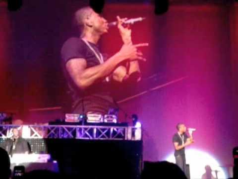 Trey Songz performing Sex Room  VA Stand Up Concert