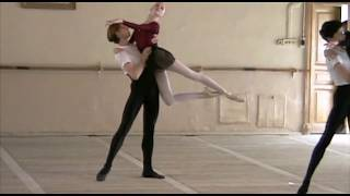 Video Vaganova Academy Duet class, filmed in 2000  Teacher - Vadim Desnitsky download MP3, 3GP, MP4, WEBM, AVI, FLV April 2018
