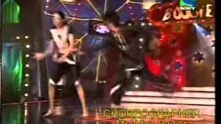 VERSATILE DANCE ACADEMY-DUET MARATHI DANCE.wmv