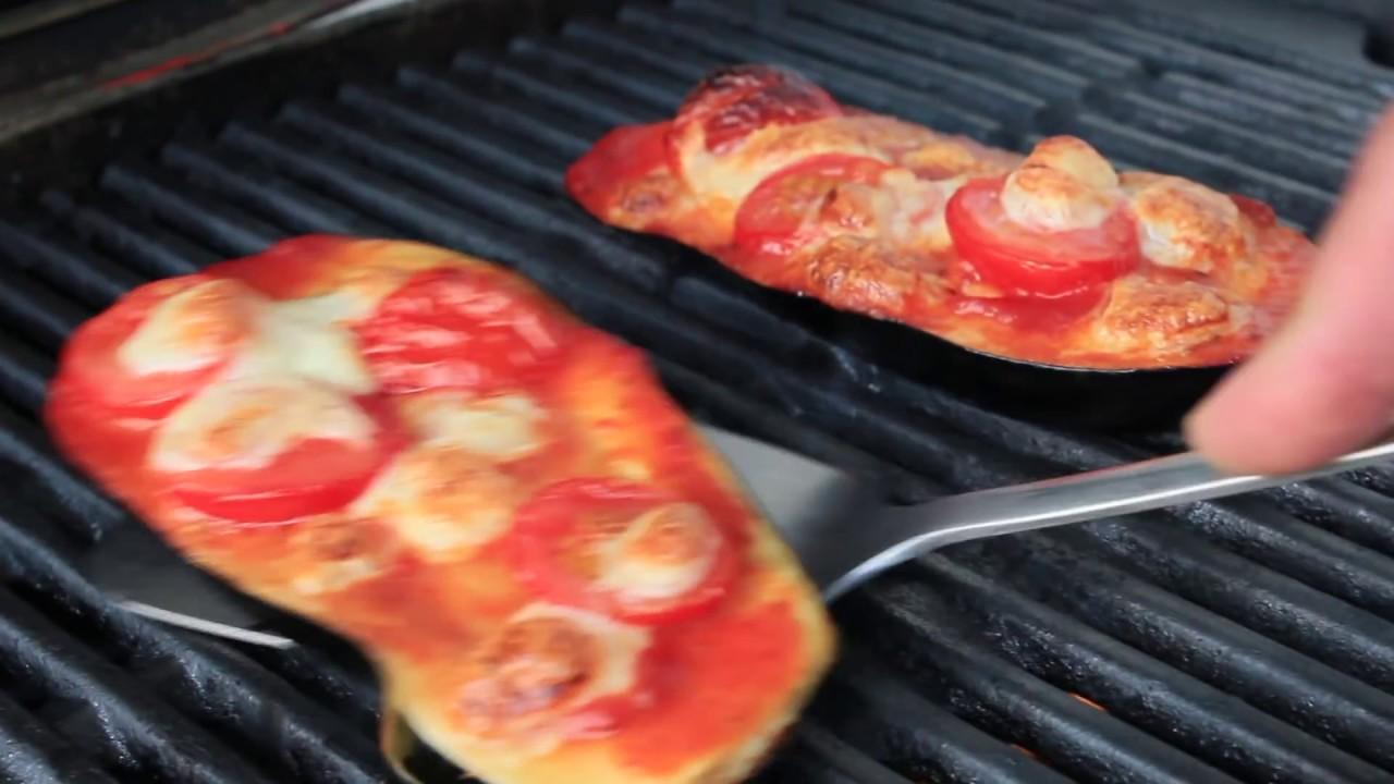grillen mit gas 077 aubergine pizza rezepte f r q100 q120 gasgrill q3200 youtube. Black Bedroom Furniture Sets. Home Design Ideas