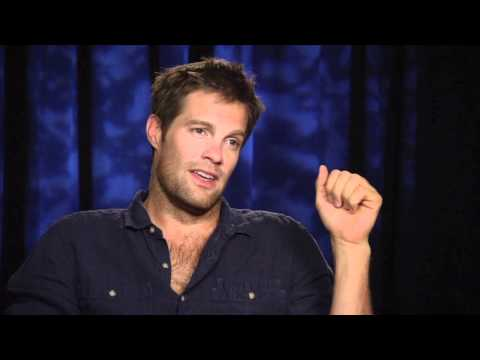 THE FINDER: Geoff Stults talks cast changes, Walter's romances and having to take off his clothes