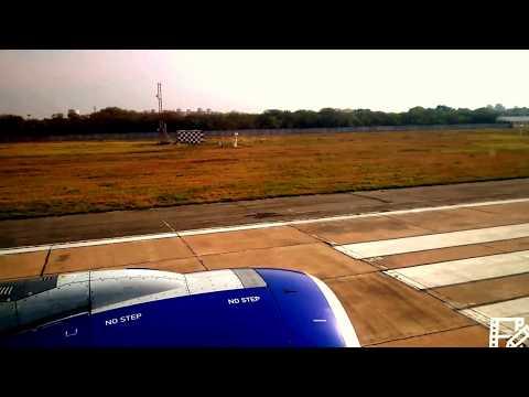 Brave Pilot in Cross Wind Landing and Takeoff Delhi to Mumbai
