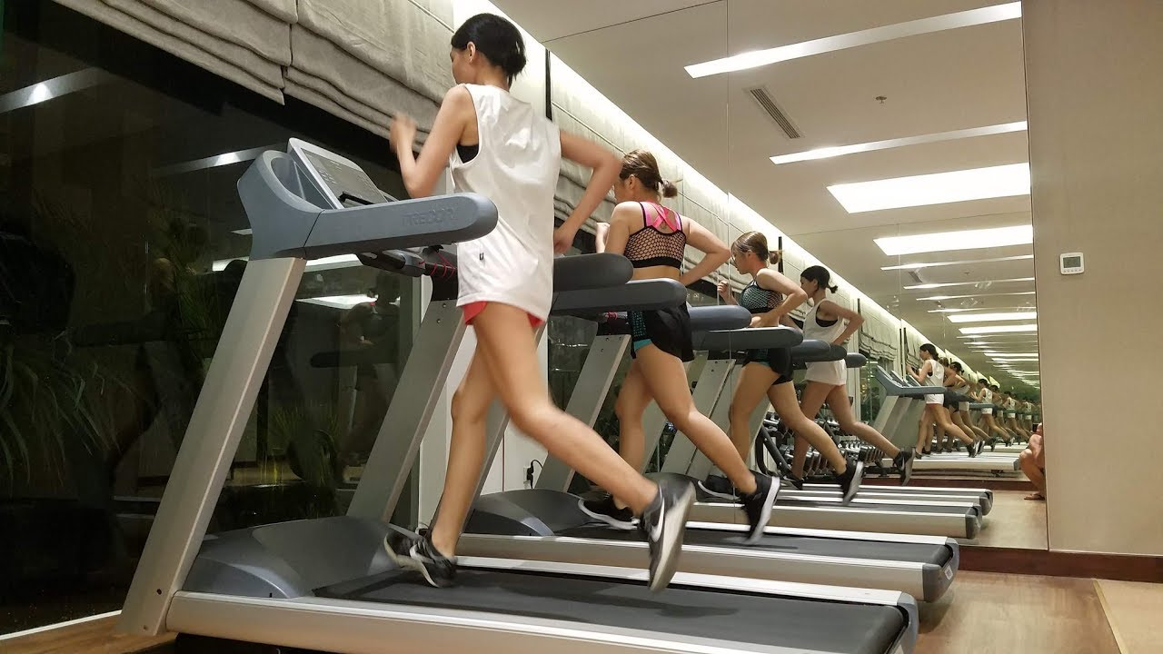 """Phòng GYM """"ĐÔNG NHẤT"""" VIỆT NAM  6h Chiều Chạy Bộ Thế Nào Để Tăng Thể Lực Trên Máy Treadmill"""