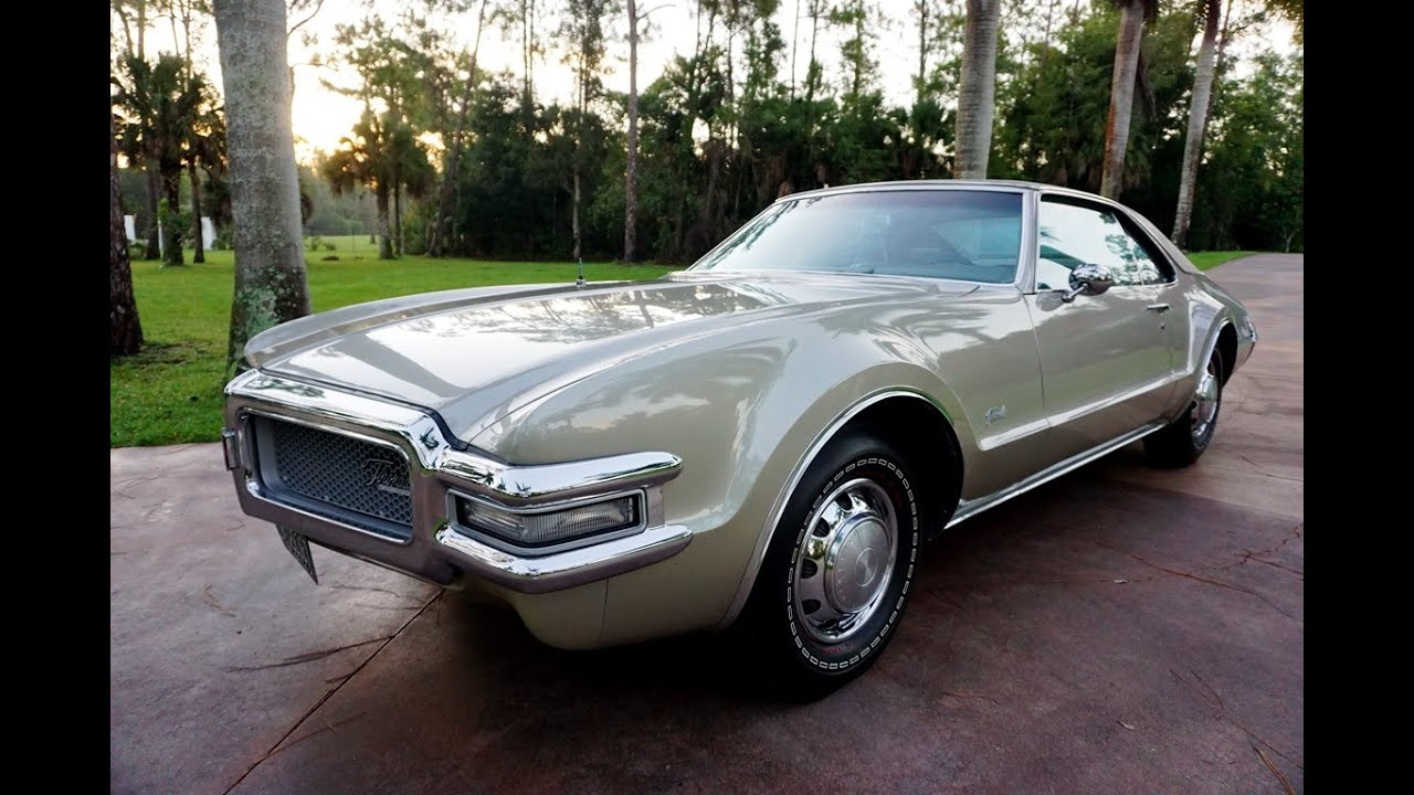 The First Oldsmobile Toronado Was a Technological Marvel and Instant Classic