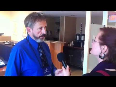 Glass Sculptor Christopher Ries Interview AUS Radio at GAS Toledo OH 2012
