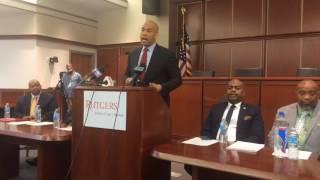 Sen. Booker credits Mayor Baraka for getting federal grant