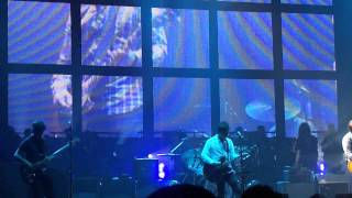 Noel Gallagher- (I wanna live in a dream in my) record machine Live in Belfast