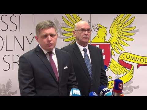 Tlačová konferencia predsedu vlády SR Roberta Fica a predsedu NKÚ Karola Mitríka