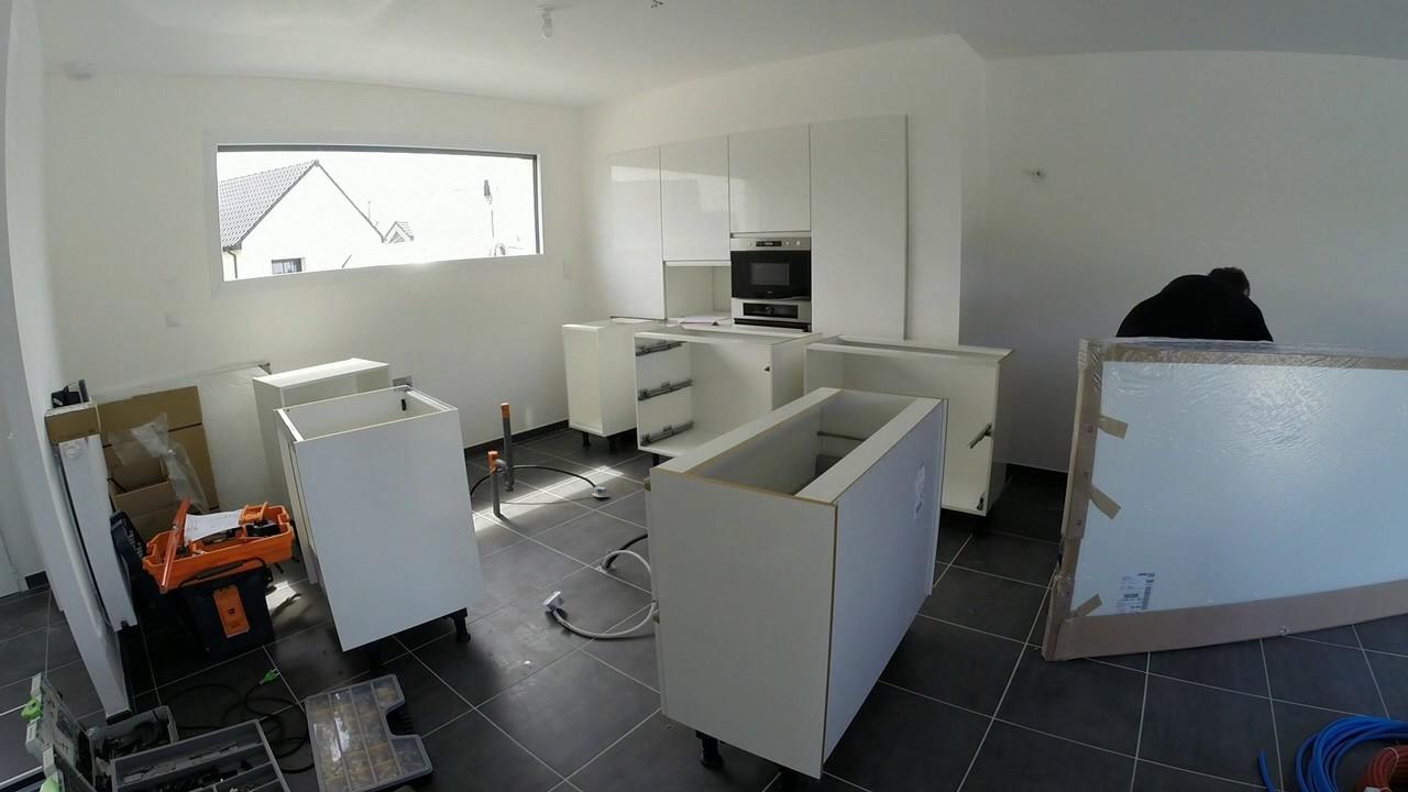 pose d une cuisine nobilia meubles et electrom nagers youtube. Black Bedroom Furniture Sets. Home Design Ideas