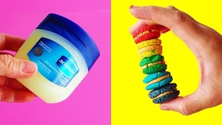 DIY PLAY DOH WITH VASELINE! How To Make Homemade Playdough EASY DIY by Bum Bum Surprise Toys