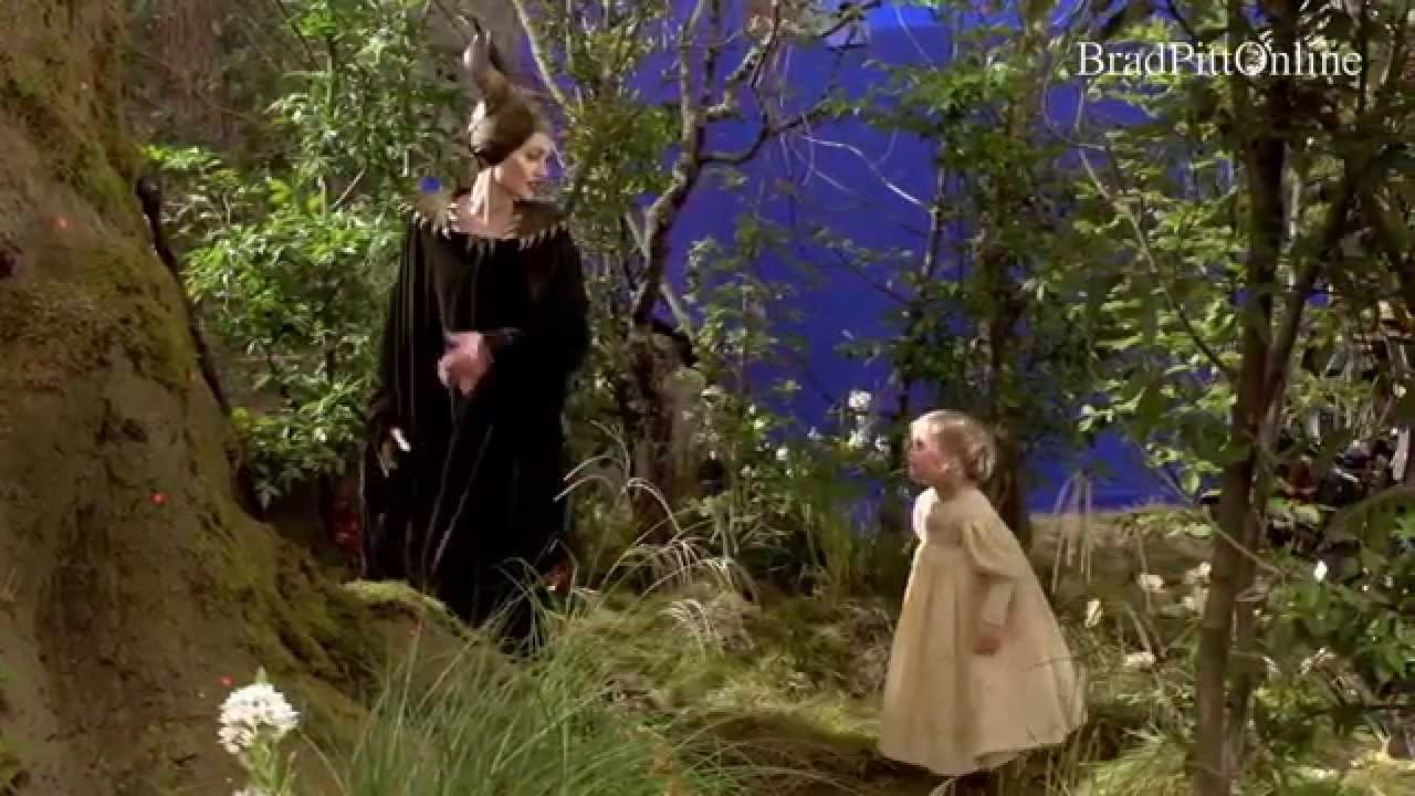 Angelina Jolie And Kids Behind The Scene Of Maleficent