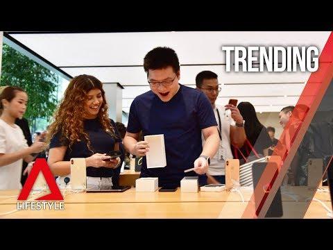 iPhone XS mania in Singapore