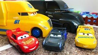 Машинки Тачки 3 Молния Маквин и его Друзья - Игрушки Видео про Машинки