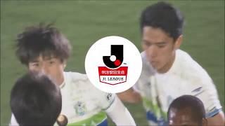 CKのチャンスからゴール前でボールを収めた松田 天馬(湘南)のシュート...