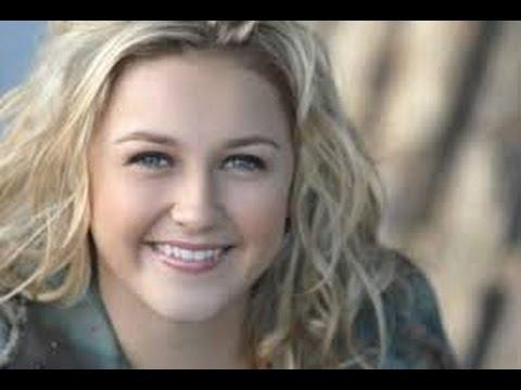 Fallece la actriz Skye McCole Bartusiak a los 21 años  Skye McCole actress dies