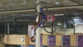 Big Air and Big Slams as Bezanson Learns MTB Tricks | The Learning Curve Ep 3(CLICK for the full replay of Joyride 2016: http://win.gs/Joyride2016 ▻ Catch up on Drew's MTB journey here: http://win.gs/LearningCurveEp2 On this week's ..., 2016-07-26T18:03:24.000Z)