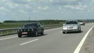 Mercedes E55 AMG W210 vs Ford Mustang GT