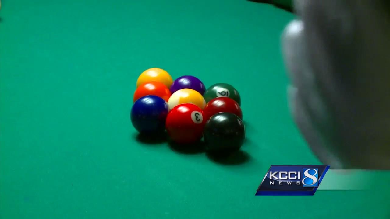 Iowa's best 'hustle' at state pool tournament
