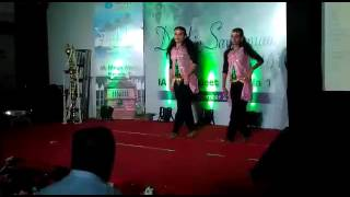 ayalathe veetile song dance performance vineetha mahadevan vineetha