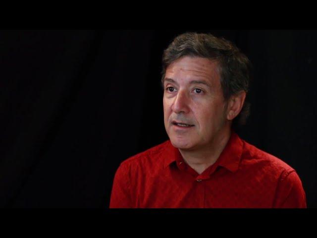 Entrevista: TONI XUCLÀ parla d' UNA TERRA SENSE MAPA