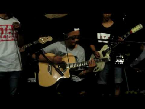 perfom FOR OUR DREAMS at cafe rims bogor