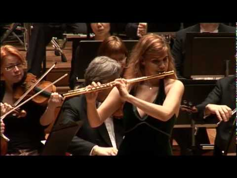Sharon Bezaly playing Khachaturian's Violin Concerto (version for flute)