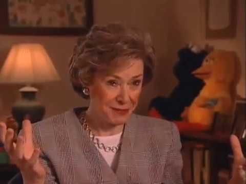 Joan Ganz Cooney discusses 3-2-1 Contact - EMMYTVLEGENDS.ORG
