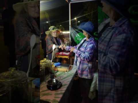 Tye Dyed Granny and Grandma Linda Dabbing at SkateSesh LA