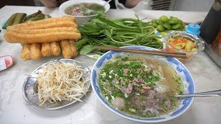 First time eating PHO in Vietnam  - Phở Hòa Pasteur